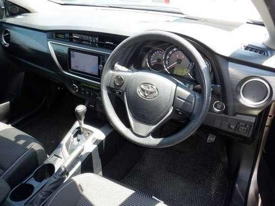 Toyota Auris image 4