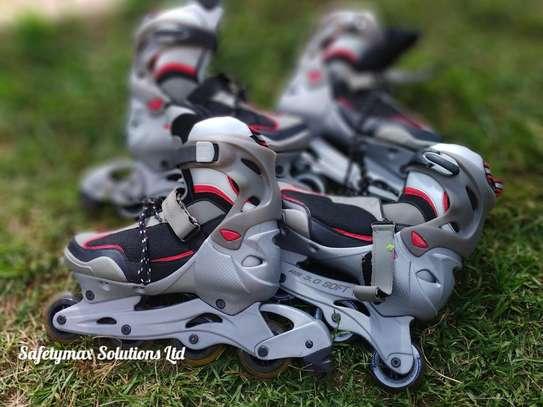 Roller skating shoes image 3
