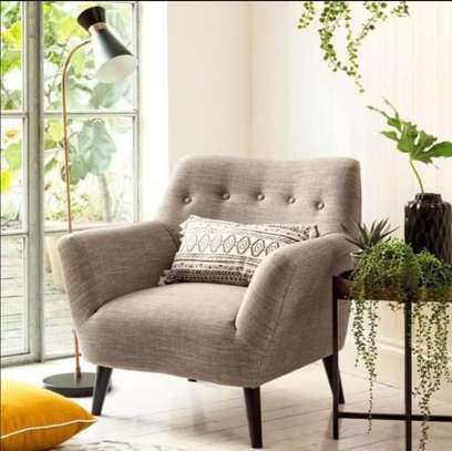 wing chair back permanent. image 1