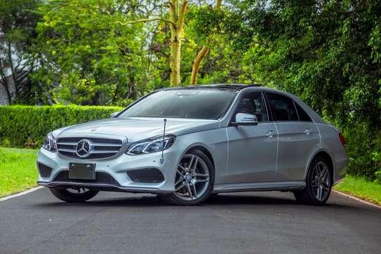 Mercedes-Benz E300 image 14