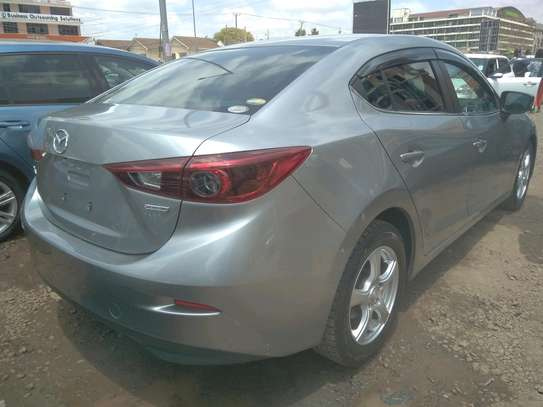 Mazda Axela2014 image 2