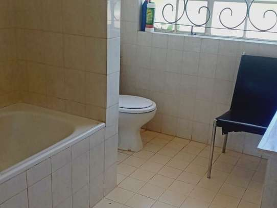 5 bedroom house for rent in Loresho image 7