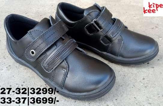 Zipper school shoes