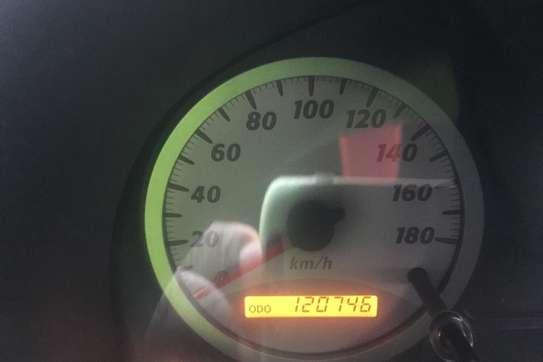 Toyota RAV4 2WD image 2
