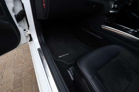 Mercedes-Benz E250 image 13