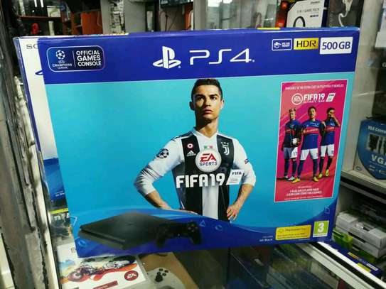 Ps4 500gb with fifa19 slim