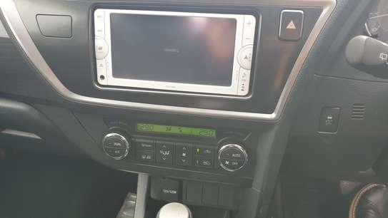 Toyota Auris image 9