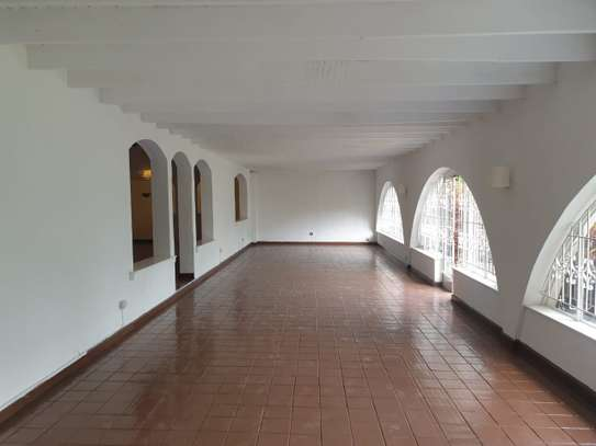 3 bedroom house for rent in Muthaiga Area image 8