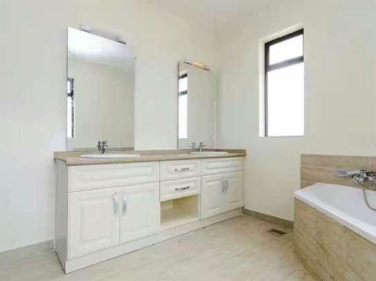 5 bedroom house for rent in Karen image 9