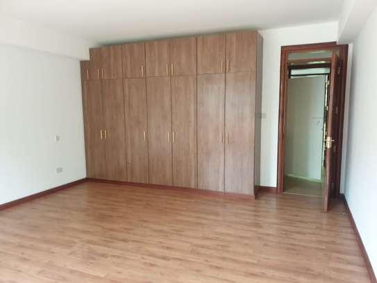 4 bedroom townhouse for rent in Riverside image 17