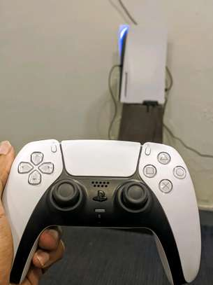 PS5 Standard Edition with Disk Tray + Free Game. image 2