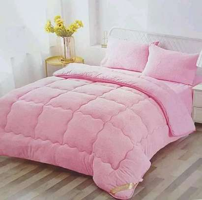 Comfortable woolen duvets for a good night's sleep. image 1