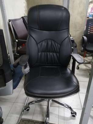 Executive office chairs image 4