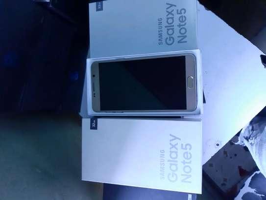 Samsung Note 5 image 2