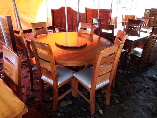 Dinning Table. image 3