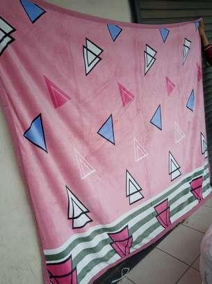 Fleece blankets image 12