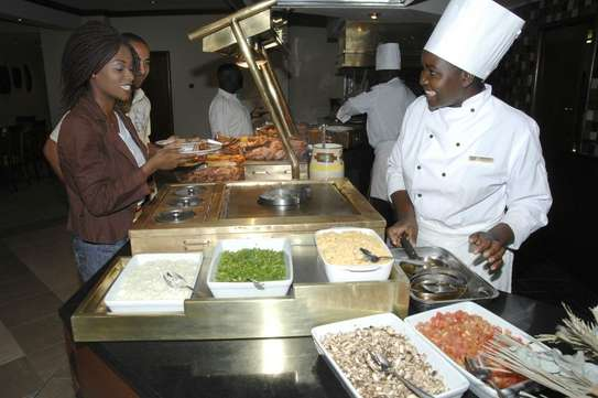 BEST PRIVATE CHEFS/Book your Personal Chef/Cook today image 1