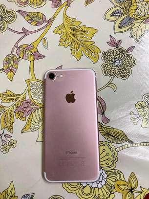 Apple Iphone 7 256 Gigabytes & Airpods image 3