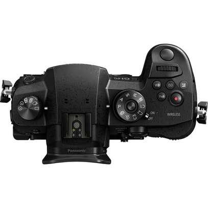 Panasonic Lumix DC-GH5 Mirrorless Micro Four Thirds Digital Camera (Body Only) image 5