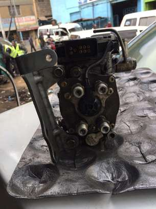 ZD30 Injector pump for Nissan Caravan E25 image 4