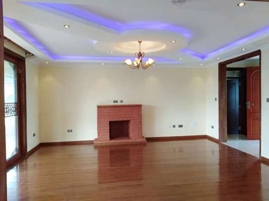 4 bedrooms mansion to let image 9