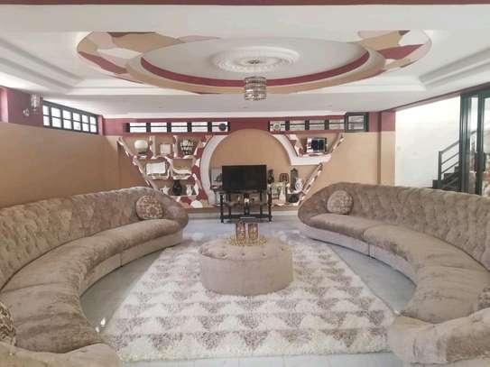 4bedroom maisonette for sale kenyatta road