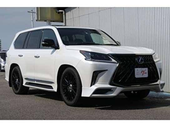 Lexus Lx570 2018 Pearl image 3