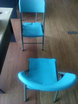 Fordable Chairs image 3