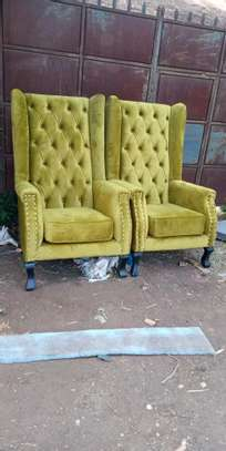 Accent chairs image 1