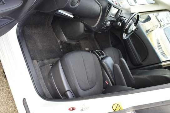 Mazda Biante image 6