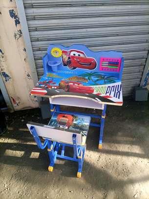 Kids study desk image 1