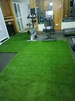Grass carpets for your balcony and gym image 2