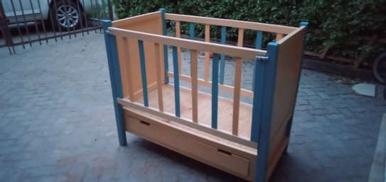 Baby cot image 4