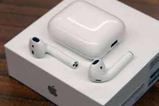 apple  Airpod 2nd gen image 1