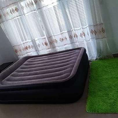 Inflatable Sofa-bed image 1