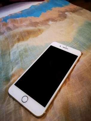 Apple Iphone 7 Plus The 256 Gigabytes Gold Colour image 3