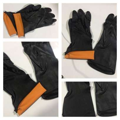 HEAVY DUTY CHEMICAL RESISTANT GLOVES image 1