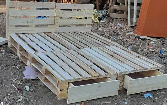 5by6 pallet bed with storage/5by6 beds/pallet furniture image 1