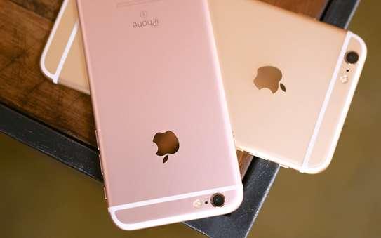 Apple iPhone 6S - 64GB image 1