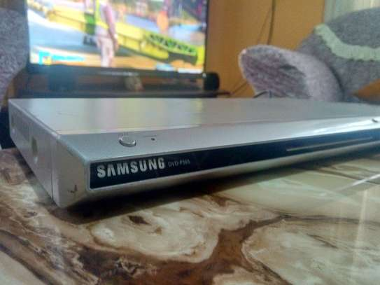 Original samsung Dvd player with dolby digital image 1