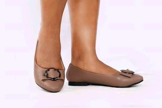 flat shoes image 5