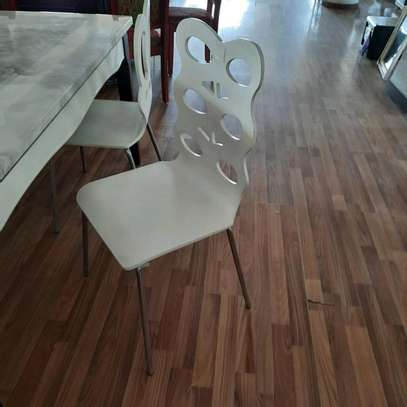 Dinning chair image 1