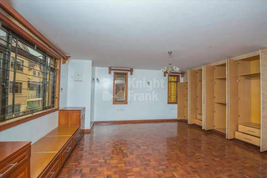 Stunning 5 Bedroom Townhouse to rent in Lavington image 4