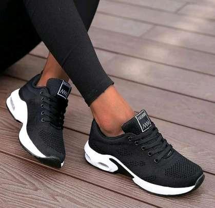 Klyt ladies sneakers image 2