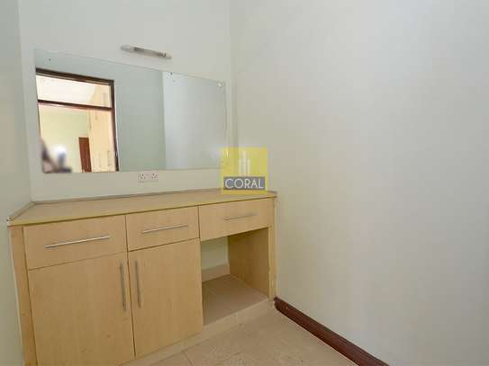 Parklands - Flat & Apartment image 11