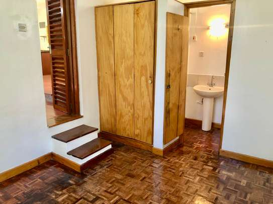 2 bedroom house for rent in Lavington image 11