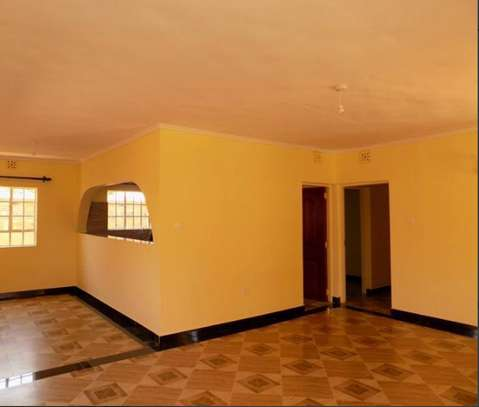 SPACIOUS 2 BEDROOM AT DONHOLM image 1