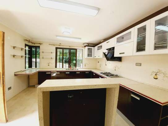 4 bedroom house for rent in New Kitusuru image 8