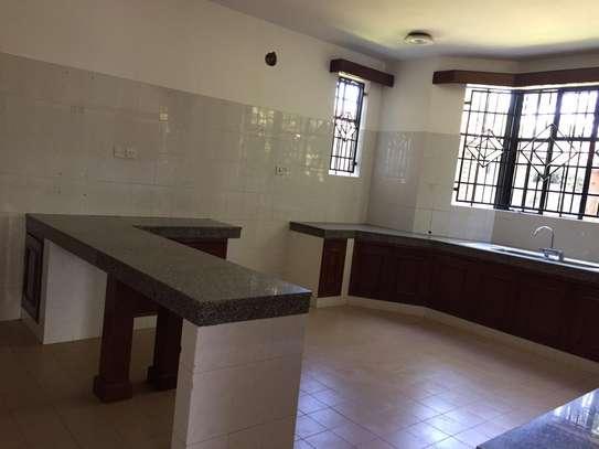 4 bedroom apartment for rent in Runda image 12