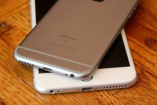 I phone 6s 64GB image 3